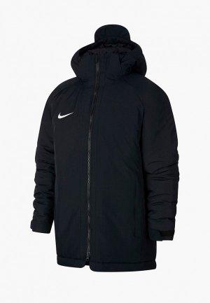 Парка Nike. Цвет: черный