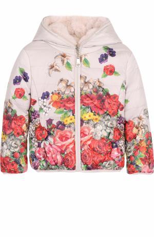 Пуховая куртка с принтом и капюшоном Monnalisa. Цвет: разноцветный