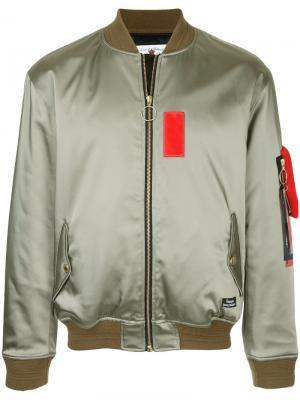 Куртка-бомбер с контрастной зпалаткой Education From Youngmachines. Цвет: зелёный