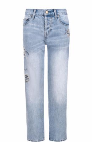 Джинсы прямого кроя с потертостями и вышивкой Current/Elliott. Цвет: голубой