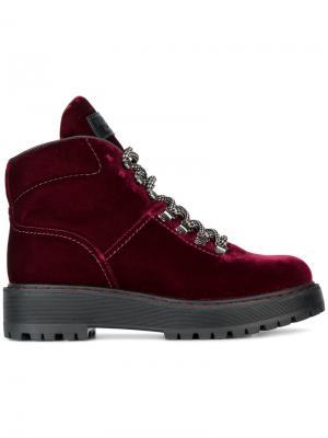 Туристические ботинки на шнуровке Prada. Цвет: красный